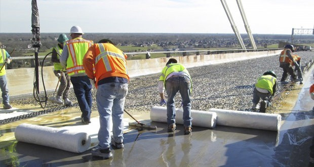 Fiber-reinforced plastic strengthens a bridge over the Mississippi