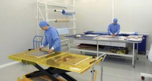 На экспериментальной базе ФГУП «ВИАМ», выкладка препегов.